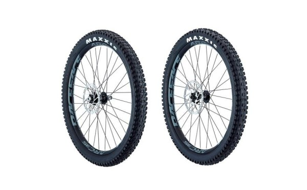 "ALLOY & CARBON WHEELKIT 27,5""PLUS (1)"
